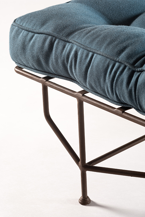 The classic garden chaise longue horizontal 1