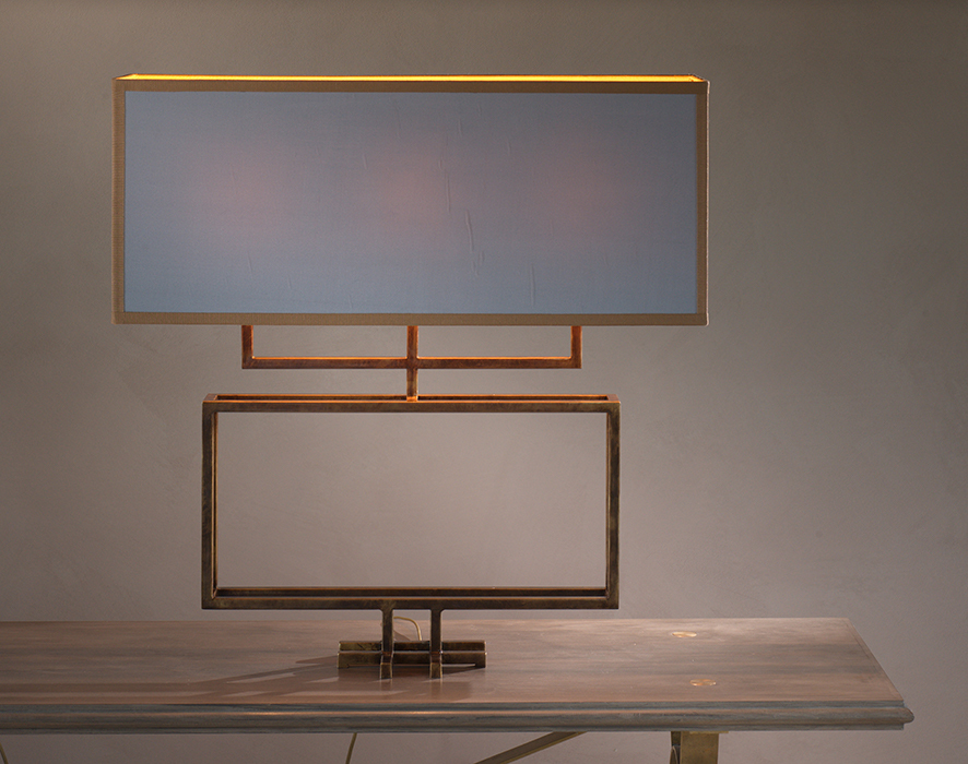The claw table lamp horizontal 3