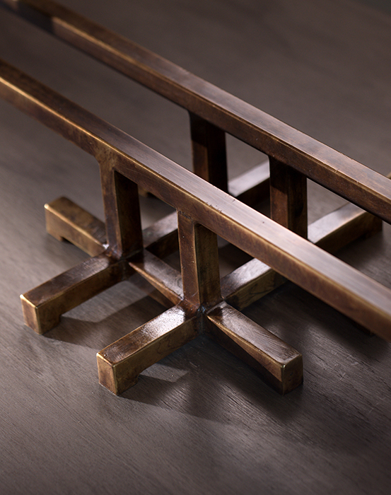 The claw table lamp horizontal 4