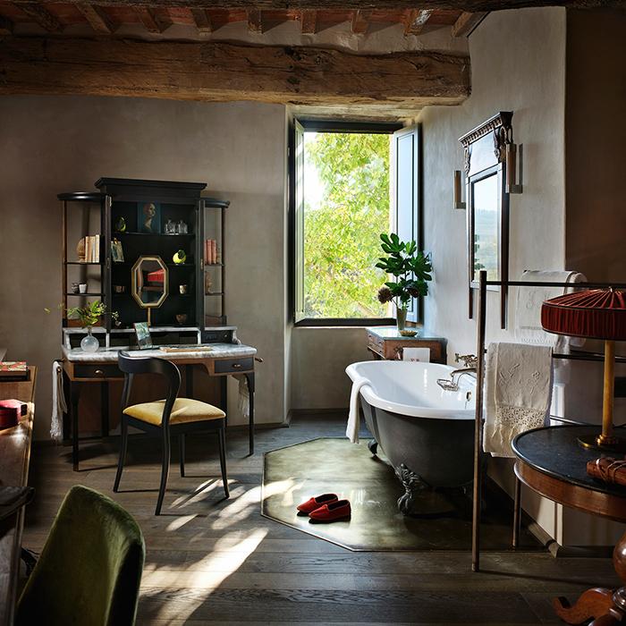 The dressing table horizontal 3