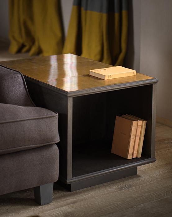 The modernist lamp table horizontal 1