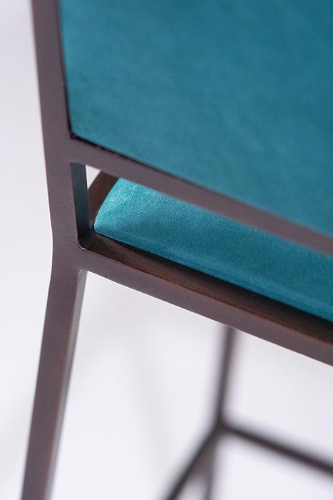 The simple bar chair horizontal 2